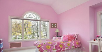 Мчаться в розовые комнаты