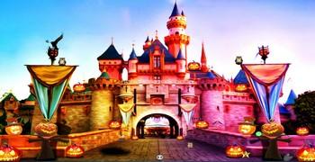 Побег из Диснейлэнда на Хэллоуин