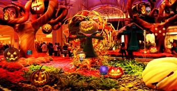Выйти с Хэллоуин вечеринки