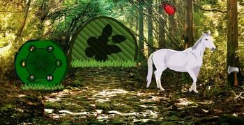 Мотай с холмистого леса с конями