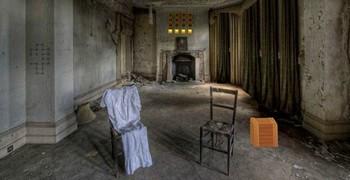 Заброшка: разрушенная комната